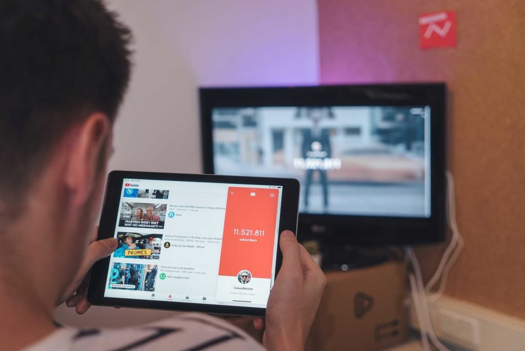 Top 10 Best Youtube Channel Ideas for Beginners